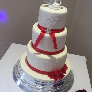 elegant_lace_wedding_cake_lacecakes1